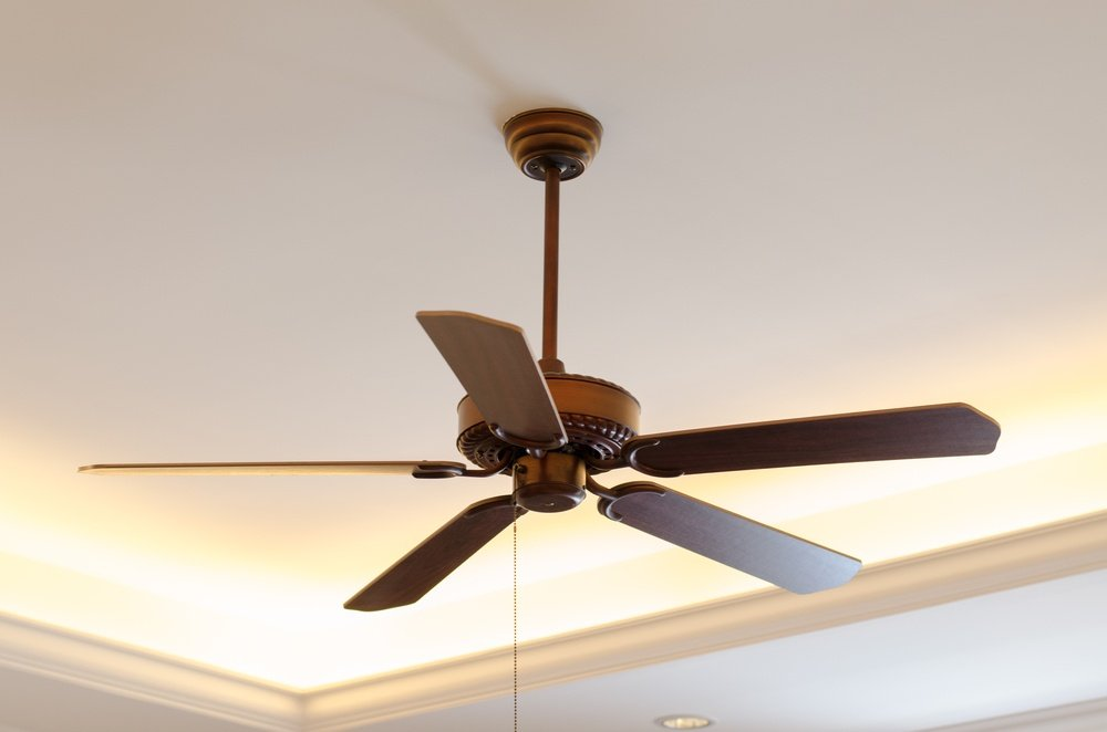 direction of ceiling fans